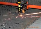 Лазер в работе. Режется сталь 6мм толщиной. Рез очень чистый.